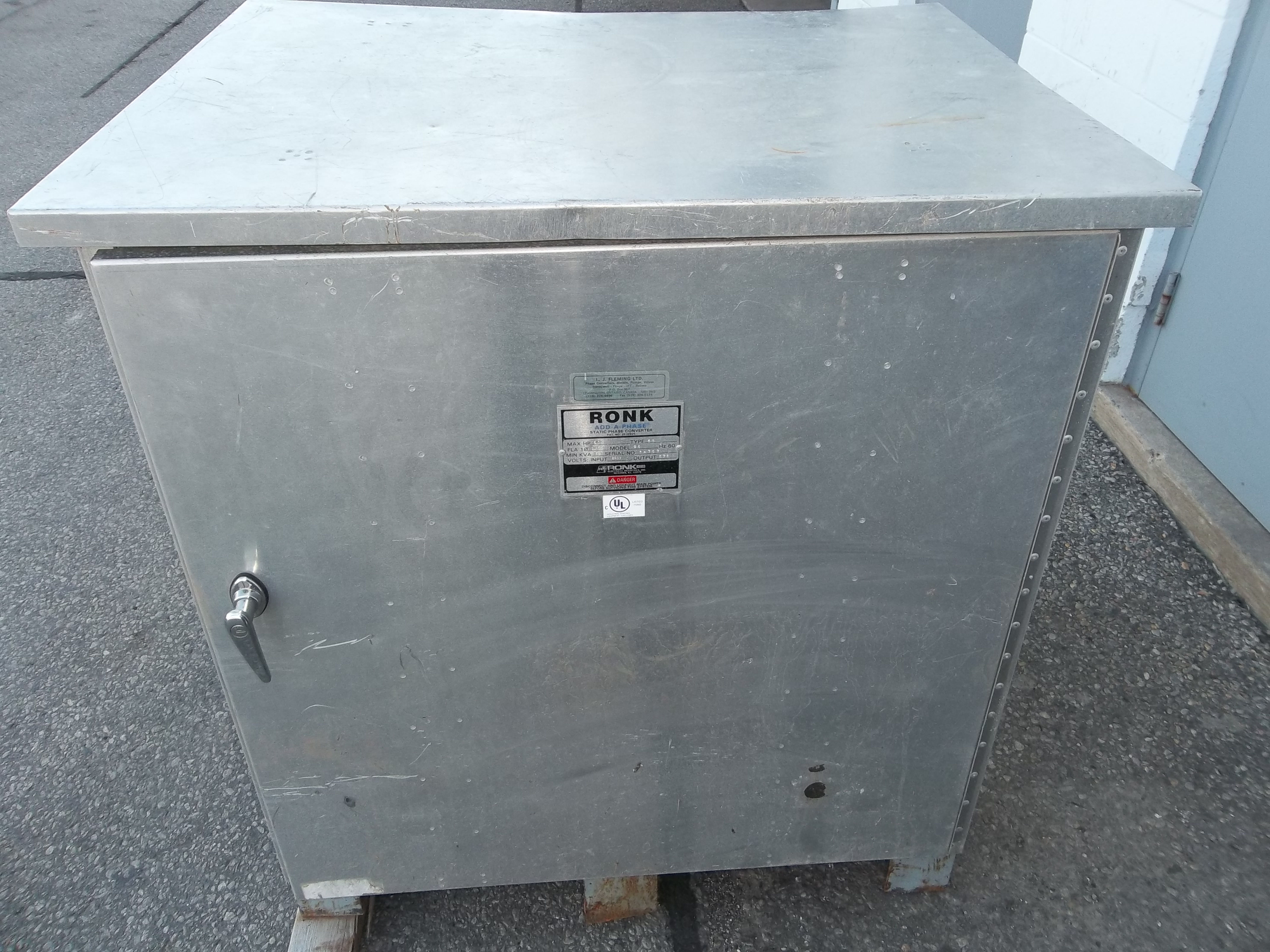 used specials new specials refurbished specials ronk static phase converter 230 volts 1 phase in 575 volt 3 phase out 93 amp